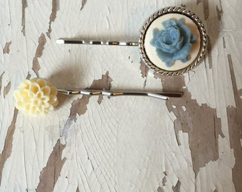 Blue/Cream Flower Bobby Pins 2 Pack