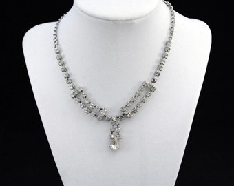 Vintage Victorian Rhinestone Pendant / Necklace.......J347