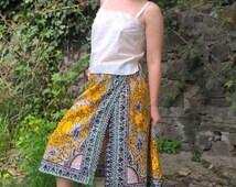 ON SALE Indian Wrap Skirt Paisley print Vintage M size Midi Bohemian design Vacation skirt Summer Skirt Yellow Black Print Hippie style Cott