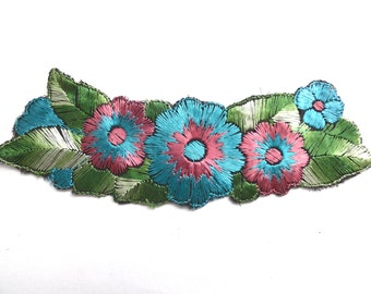 Trim Applique, 1930s floral embroidered applique. Vintage patch, sewing supply. #642GC1K6
