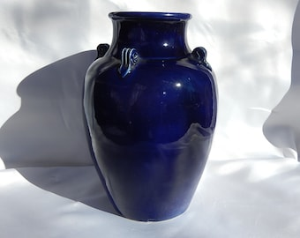 Old Vase Dong Thann