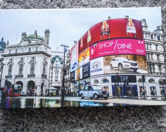 """Piccadilly in the rain canvas' 12""""x20"""""""