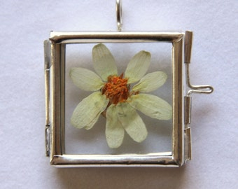 Pressed*Dried White Zinnia Necklace*Pendant in Glass Frame with Silver Colour Surround. Your Choice of SP Chain or ribbon.