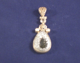 Fantastic Dendritic agate pendant accented by 2 pearls an a quartz stone