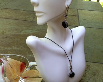Onyx Natural Gemstone and Antiqued Sterling Silver Pendant Necklace