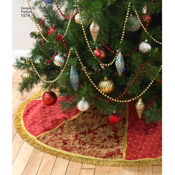 Sewing pattern for christmas holiday d cor simplicity for Instructions to make christmas table decorations