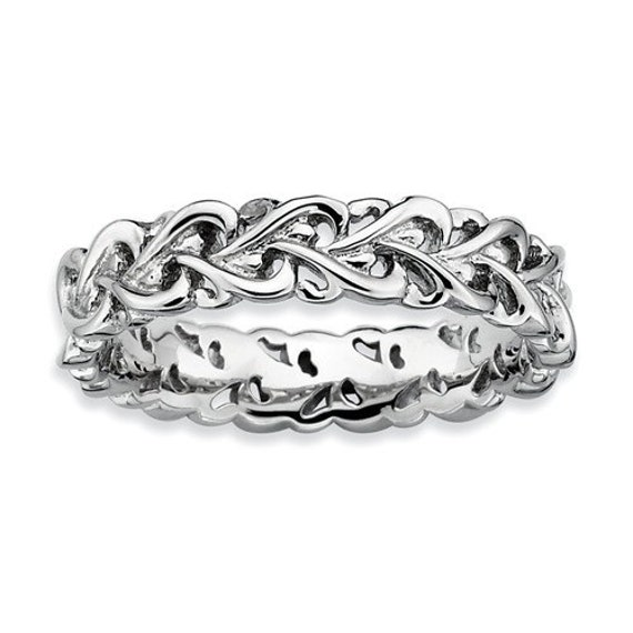 Intertwined heart stackable pictures to pin on pinterest for Interlocking wedding rings tattoo