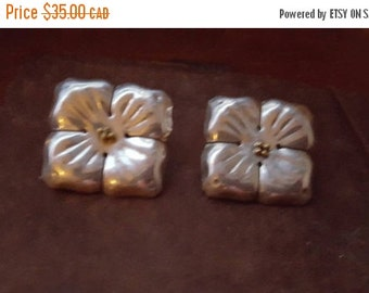 ON SALE Vintage Mexican Silver sterling Floral Earrings - Estate Find