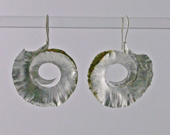 Curled feather earrings