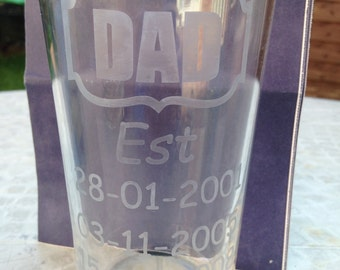 Dad est etched pint glass personalised Father's Day/birthday gift