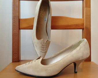 Vintage 80s Bohemian Beige Suede Pointed-Toe Heeled Court Shoes UK 5 Occasion