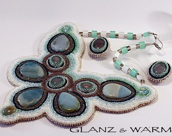 "Necklace and earrings ""Green ice"" - beadwork"