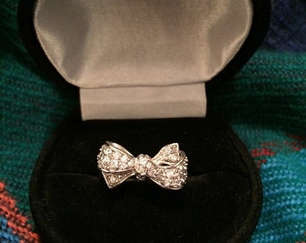Bow statement ring