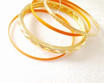 Very thin bracelet