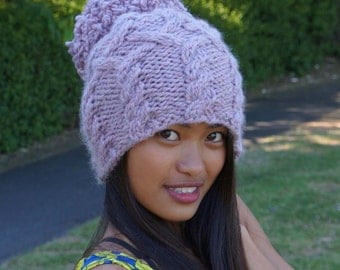 Beanie with big pompom. Alpaca/Wool.