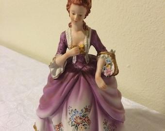 Beautiful vintage Lefton figurine
