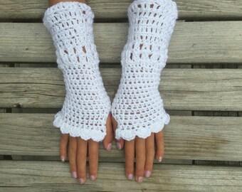 White, Crochet, fingerless gloves, crochet lace gloves, lacey design, Gigi's Flair, wristlets, girls, kids, ladies