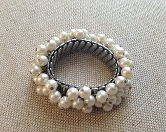Bracelet with faux pearls