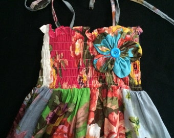 Girls size 7-8. Colorful floral print girls cotton sundress. Free US Shipping.