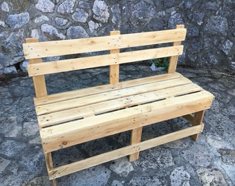 Pallets indoor/outdoor bench