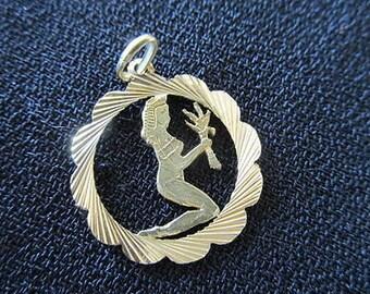 Vintage 18ct gold Virgo pendant 70's zodiac sign astrology estate