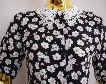 70s flower dress with lace collar, lace collar dres, 70s long dress, vintage dresses , lace dress, 70s dresses,