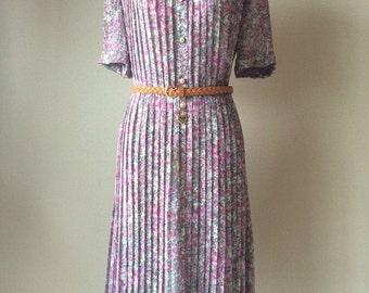 Size 12, 1970s chiffon floral dress,