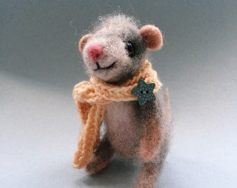 Little mouse needle felted toy, needle felted animal, mouse in the scarf