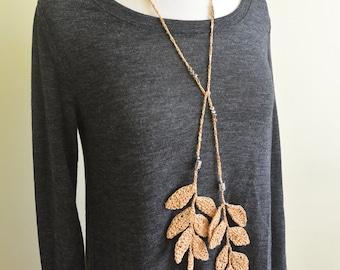 Crochet Leaf Necklace (Gold)