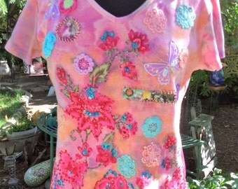 Upcycled Womens Large Pink Floral Tee Shirt, Flower Tshirt, Boho Gypsy Art to Wear Clothing