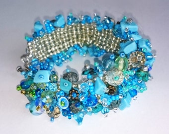 Ocean Blue bracelet out of cristalls, pearls and real turquose. Beaded frezzy cuff bracelet