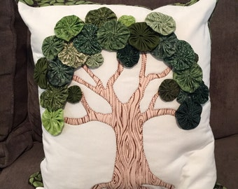 Yo-yo Tree pillow