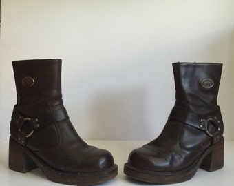 Mens size 8 90s square toe brown boots