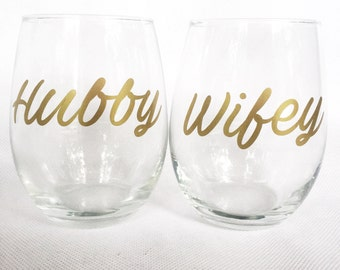 Bride and Groom - Bride and Groom Glasses - Bride and Groom Gift - Husband and Wife Wine Glasses - Bride to Be Gift - Anniversary Gift
