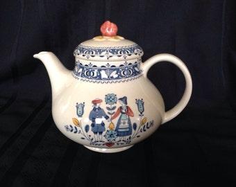 Hearts & Flowers Vintage Teapot