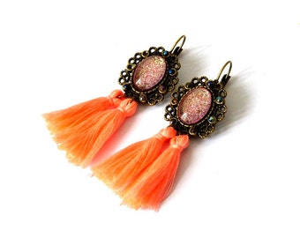 Brasilia - cabochons & tassels earrings