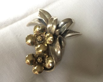 Silver and 18K Brooch, Dogwood Blossoms and Flowers