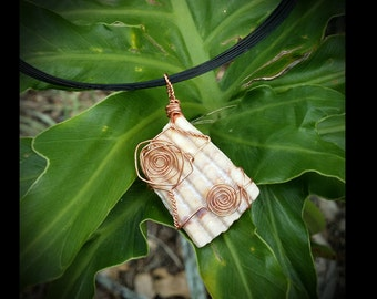 Seashell Swirl Wire Wrapped Pendent