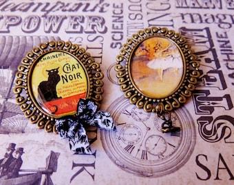 Set of 2 pins, black cat illustrations, dancers. Set of 2 snaps, chat noir and dancer