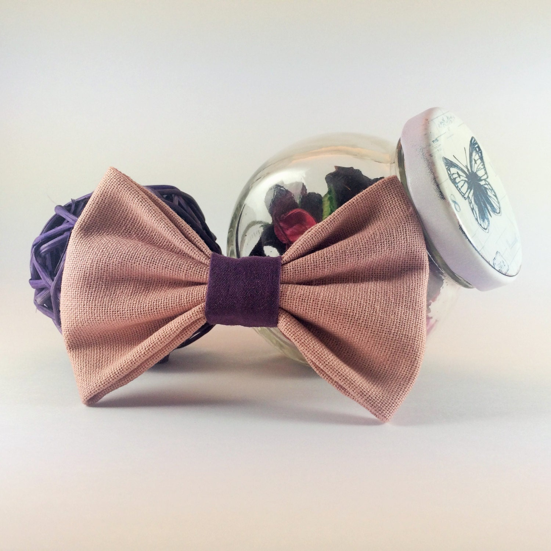 noeud papillon broche rose poudre avec d tail violet. Black Bedroom Furniture Sets. Home Design Ideas