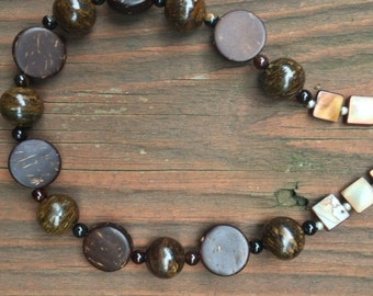 Brown wood beaded necklace.