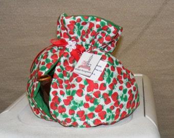 Tea Cozy Red Strawberries