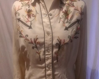 1950s. 50s Vintage  H Bar C California Ranchwear Shirt // Embroidered Cream Shirt //