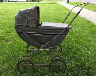1940s Easy Fold Doll Carriage