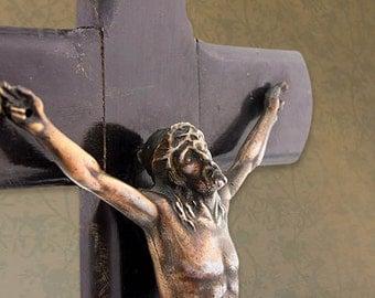 Wood crucifix. Late 18th-19th century