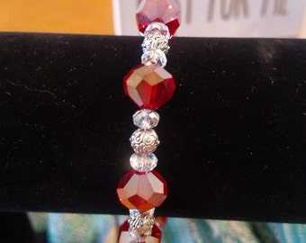 Glass and metal bead bracelet with toggle clasp