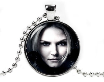Once Upon a Time Necklace Emma Black Swan Necklace Fangirl Fanboy