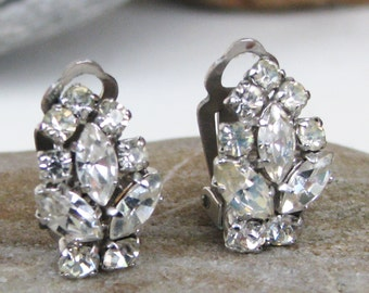 Very Sparkly Vintage Clear Rhinestones Cluster Clip On Earrings Silver Tone FREE UK DELIVERY