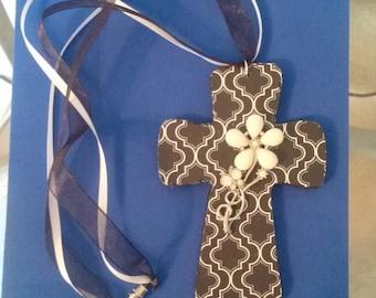 Decoupage wooden cross