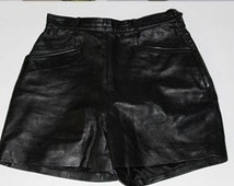 Vintage size 6 Tannery West black leather shorts/hot pants